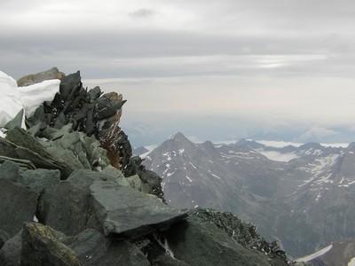 50 000 mètres cubes de glace se détachent d'un glacier