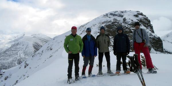 Unsere Gruppe vor dem Metschit-Hauptgipfel – ohne Holger, der erkältungsbedingt passen musste
